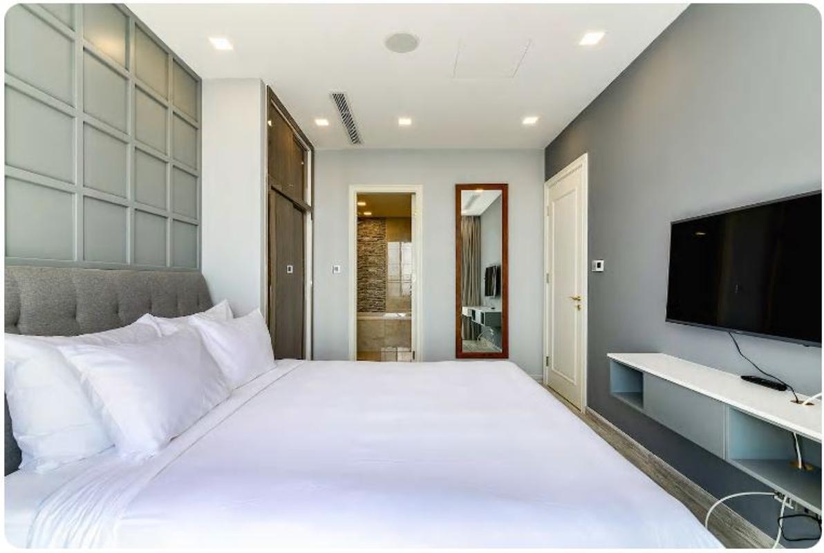 05 Bán căn hộ Vinhomes Golden River 2PN, tháp The Aqua 1, nội thất cơ bản, view sông và Landmark 81