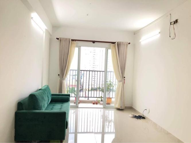 Phòng khách Carillon 5, Tân Phú Căn hộ Carillon 5 tầng trung, cửa chính hướng Tây Nam.