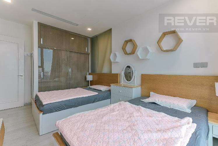 Phòng ngủ căn hộ VINHOMES GOLDEN RIVER Bán căn hộ Vinhomes Golden River 3PN, tầng 6, đầy đủ nội thất, view sông rộng thoáng