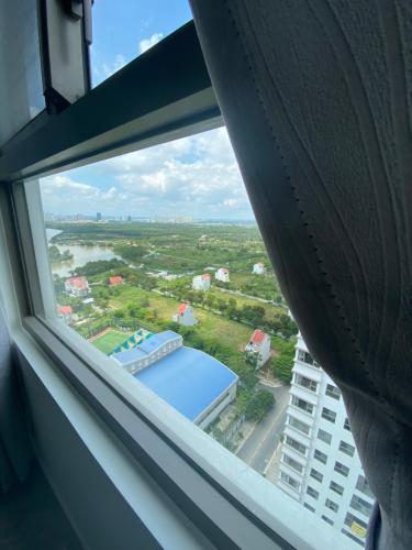 View Saigon South Residence Căn hộ Saigon South Residence tầng cao, đầy đủ nội thất, 3 phòng ngủ.