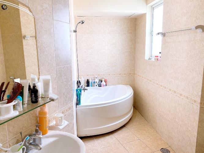 Phòng tắm căn hộ chung cư Hùng Vương Plaza Căn hộ chung cư Hùng Vương Plaza đầy đủ nội thất, 3 phòng ngủ.