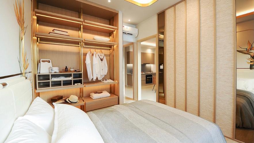 Phòng ngủ West Gate Park Căn hộ West Gate Park tầng thấp, ban công đón sáng.