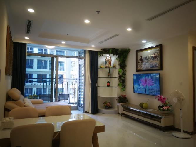 Cho thuê căn hộ Vinhomes Central Park 2PN, tháp Landmark 5, đầy đủ nội thất, hướng ban công Đông Bắc