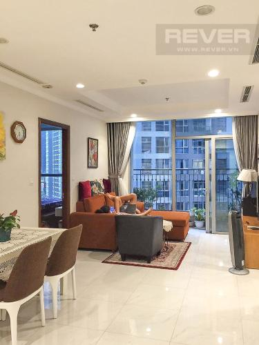 Phòng Khách Bán căn hộ Vinhomes Central Park 2PN cho Người Nước Ngoài, tháp The Central 2, đầy đủ nội thất, hướng Đông Bắc đón gió