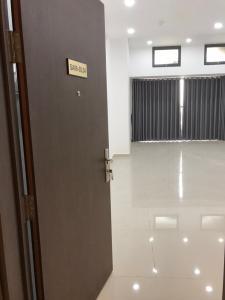 Cho thuê căn hộ officetel The Sun Avenue, block 6, diện tích 44m2, nội thất cơ bản