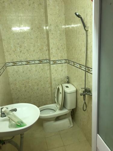 Phòng tắm nhà phố Dương Quảng Hàm, Gò Vấp Nhà phố 2 mặt hẻm Quận Gò Vấp có sổ hồng riêng, khu dân cư an ninh.