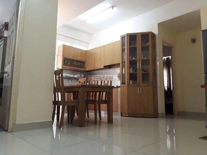Phòng bếp căn hộ chung cư Bình Minh, Quận 2 Căn hộ chung cư Bình Minh tầng trung nội thất đầy đủ.