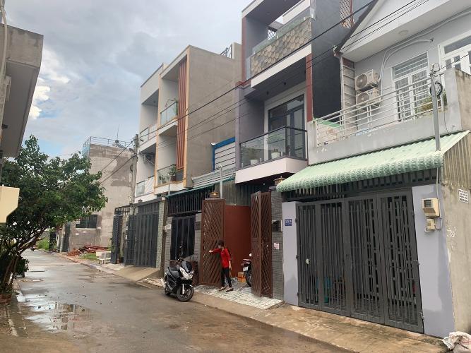 Nhà phố đường Võ Văn Hát, quận 9 Nhà phố hẻm xe hơi đường Võ Văn Hát, diện tích 4m x12.7m
