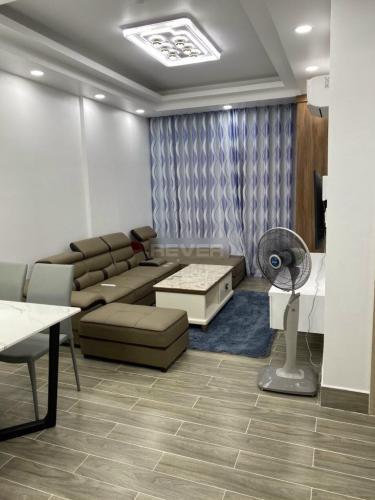Căn hộ chung cư Lavida Plus nội thất đầy đủ, view thành phố sầm uất.