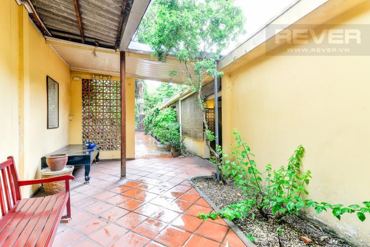 Lối Đi Nhà phố 4 phòng ngủ hẻm đường Nguyễn Văn Đậu nội thất đầy đủ