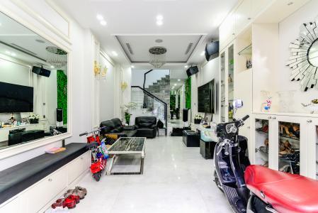 Nhà phố 3 phòng ngủ đường Võ Văn Kiệt, phường 6, Quận 5