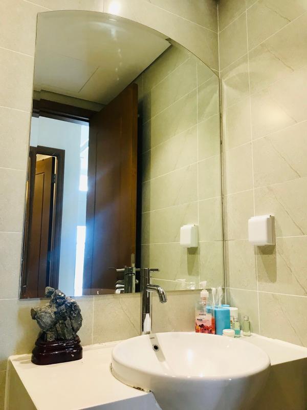 2f8b75ff14e1edbfb4f0 Cho thuê căn hộ Vinhomes Central Park 1PN, tháp Landmark Plus, đầy đủ nội thất, view thành phố