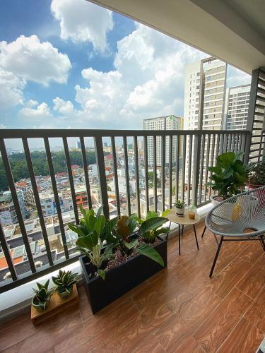 Bán căn hộ Orchard Parkview 3 phòng ngủ, tầng trung, diện tích 85m2, đầy đủ nội thất, gần sân bay