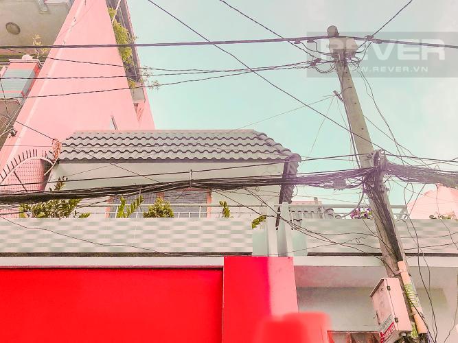 Mặt Trước Bán nhà phố trên đường Nguyễn Kim 69m2, 2PN 2WC, mặt tiền rộng