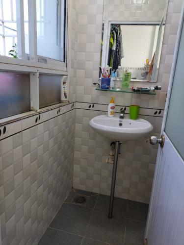 Toilet căn hộ chung cư An Phúc Quận 2 Căn hộ 1 phòng ngủ chung cư An Phúc, 50.6m2.
