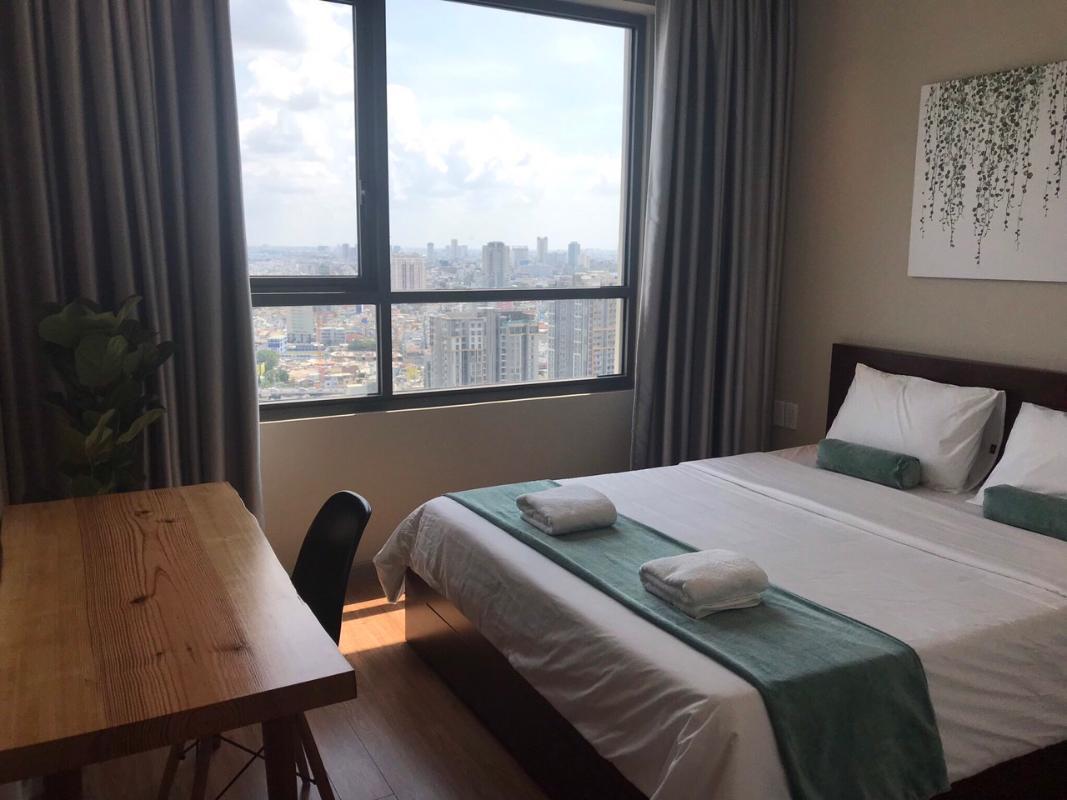 4 Bán căn hộ The Gold View tầng cao 2 phòng ngủ, diện tích 81m2, đầy đủ nội thất