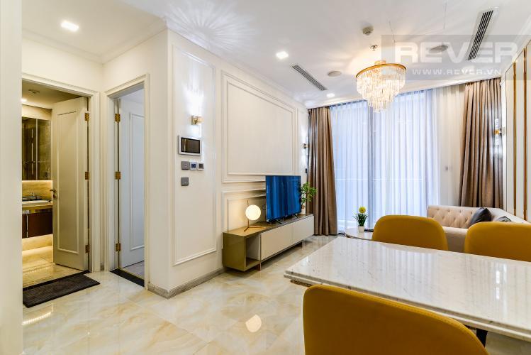 Phòng Khách Officetel Vinhomes Golden River tầng trung, tháp Aqua 1 hướng Tây Nam