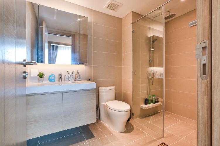 Phòng tắm Sadora Apartment, Quận 2 Căn hộ tầng trung Sadora Apartment view nội khu mát mẻ.