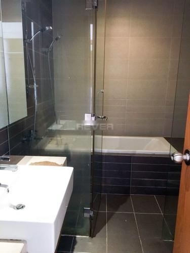 Phòng tắm căn hộ Sunrise City Căn hộ Sunrise City đầy đủ nội thất, ban công thoáng mát.
