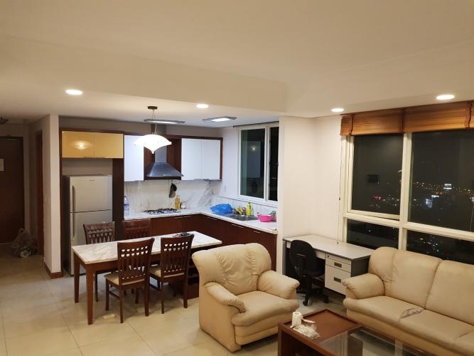 Phòng khách căn hộ THE MANOR Bán hoặc cho thuê căn hộ The Manor 3PN, diện tích 136m2, đầy đủ nội thất, căn góc, view thành phố