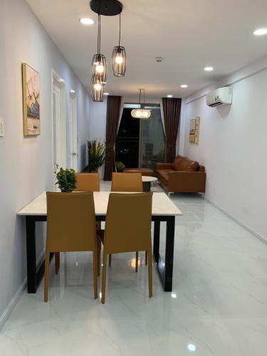Căn hộ Saigon South Residence nội thất đầy đủ hiện đại, hướng Nam.