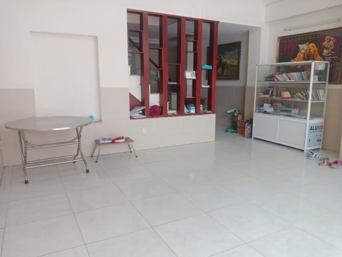 Bên trong nhà phố Bến Phú Định, Quận 8 Nhà phố có dãy trọ cho thuê, hẻm xe hơi, trung tâm quận 8.