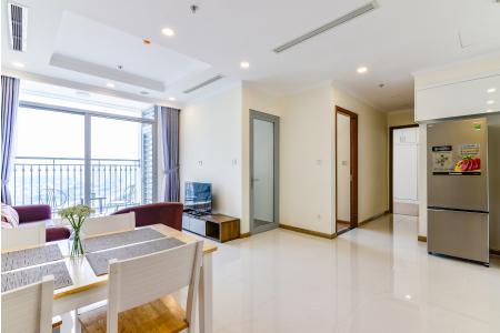 Căn hộ Vinhomes Central Park 2 phòng ngủ tầng cao L6 view hướng sông