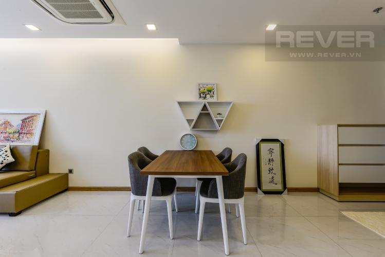 Bàn ăn Cho thuê căn hộ Vinhomes Central Park tầng trung, 2PN, đầy đủ nội thất, view đẹp