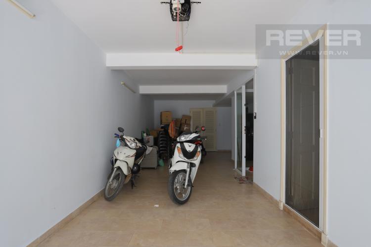Hầm Giữ Xe Nhà phố đường Lê Văn Lương, Quận 7, 3 tầng, nội thất đầy đủ, sổ đỏ chính chủ