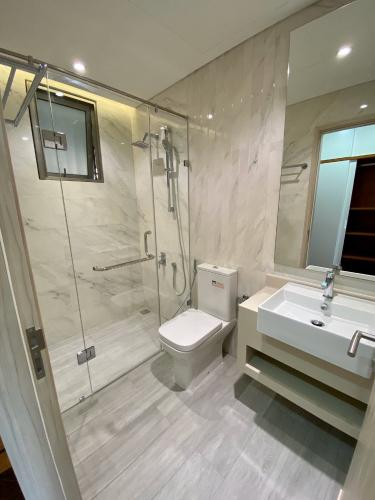 Toilet căn hộ PHÚ MỸ HƯNG MIDTOWN Cho thuê căn hộ Phú Mỹ Hưng Midtown 2PN, diện tích 89m2, đầy đủ nội thất, hướng ban công Đông Nam