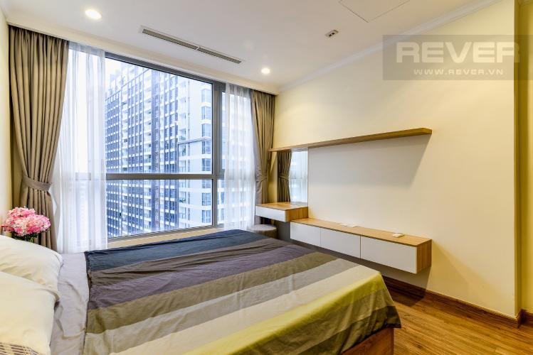 Phòng Ngủ 2 Căn hộ Vinhomes Central Park tầng cao tòa Landmark 1, 3 phòng ngủ view sông