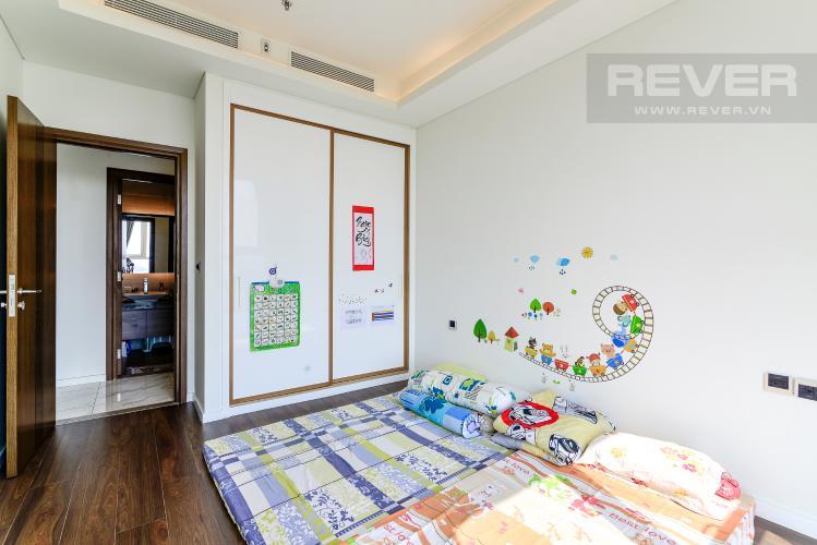Phòng Ngủ 2 Bán hoặc cho thuê căn hộ Sarica Sala Đại Quang Minh 3PN, đầy đủ nội thất, view công viên và hồ bơi thoáng mát