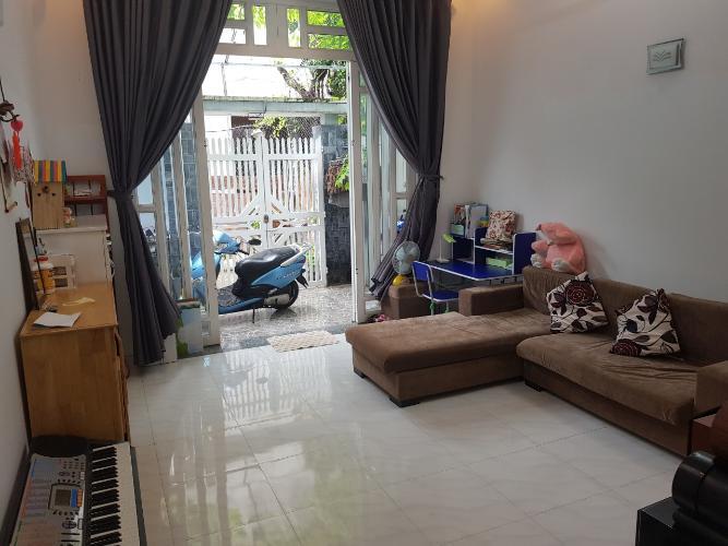 Phòng khách nhà phố Chuyên Đùng, Quận 7 Nhà phố quận 7, sổ hồng riêng, khu dân cư an ninh.
