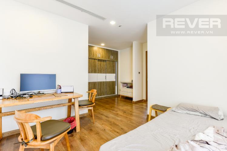 Phòng ngủ 1 Căn hộ Vinhomes Central Park 4 phòng ngủ tầng trung P3 view trực diện sông