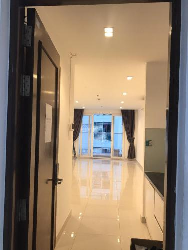 Căn hộ Officetel Sky Center tầng trung, ban công hướng Bắc.