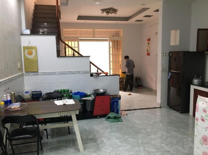 Bán nhà phố 2 tầng, đường hẻm Nguyễn Văn Quỳ, phường Phú Thuận, quận 7, diện tích đất 50.8m2, sổ hồng đầy đủ.