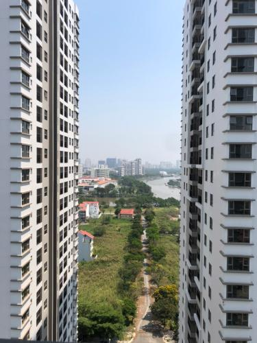 View từ Saigon South Residence Căn hộ Saigon South Residence ban công có view sông Sài Gòn.