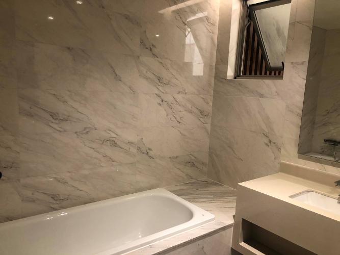 WC căn hộ PHÚ MỸ HƯNG MIDTOWN Cho thuê căn hộ Phú Mỹ Hưng Midtown 2PN, diện tích 98m2, đầy đủ nội thất, ban công Đông Nam