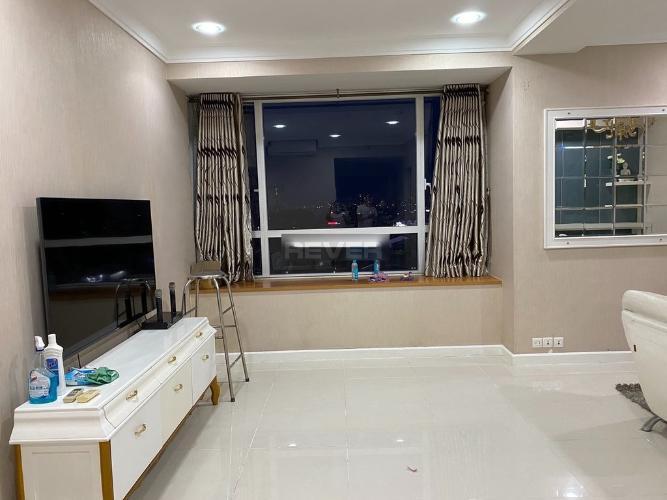 Bán căn hộ Sunrise City nội thất cơ bản, view hồ bơi.