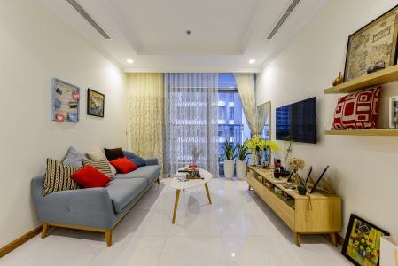 Cho thuê căn hộ Vinhomes Central Park tầng trung, tháp Landmark 2, đầy đủ nội thất