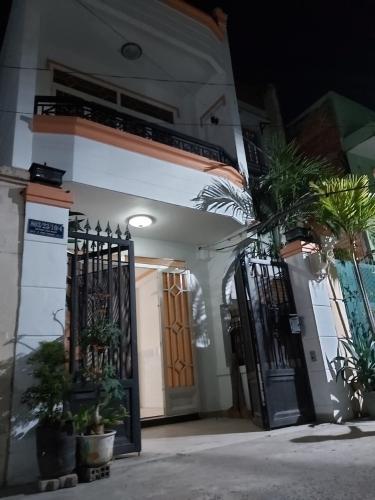 Mặt tiền nhà phố đường Huỳnh Tấn Phát, Quận 7 Nhà phố hướng Tây Bắc diện tích 4mx16m, hẻm xe hơi.