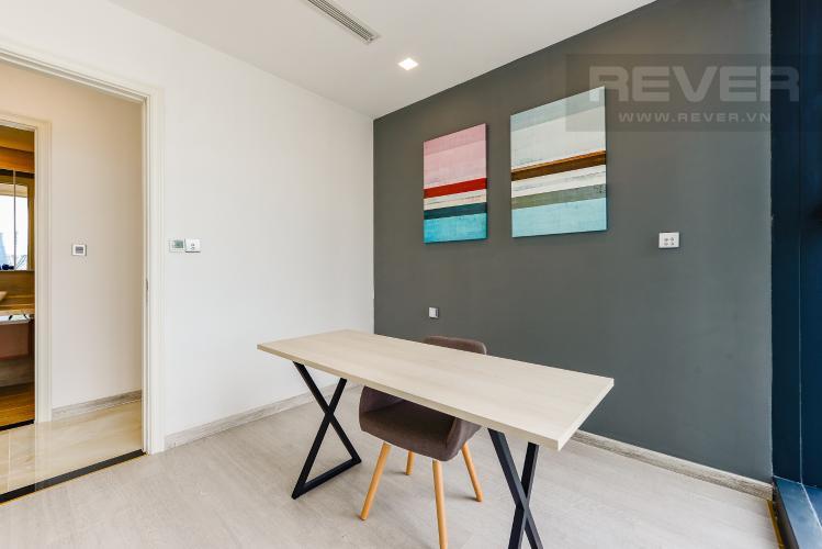 Phòng làm việc Căn hộ Vinhomes Golden River 2 phòng ngủ tầng cao A2 view sông