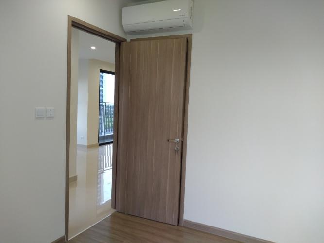 phòng ngủ 2  căn hộ Vinhomes Grand Park Căn hộ Vinhomes Grand Park tầng 24, nội thất cơ bản, view thành phố.