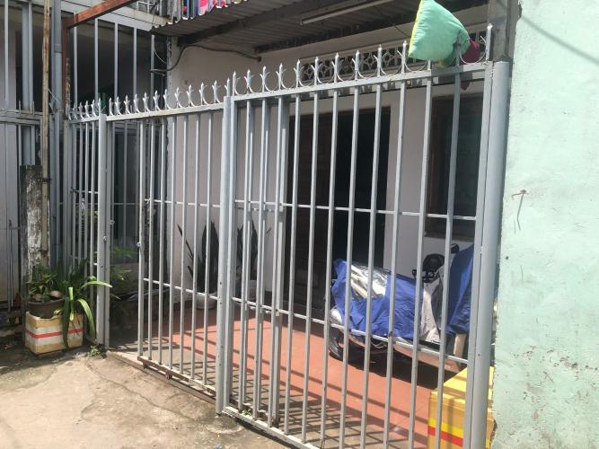 Bán nhà phố cách Xa Lộ Hà Nội 300m, đường Quang Trung, 2 phòng ngủ, diện tích đất 82.6m2, sổ hồng đầy đủ