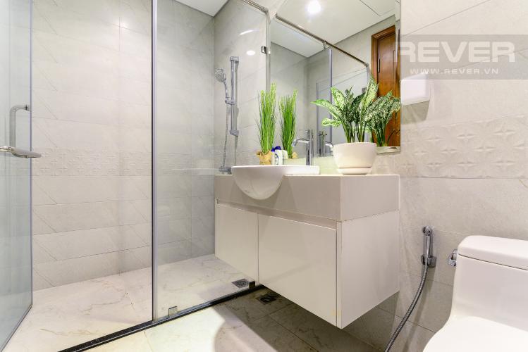 Phòng Tắm 1 Căn hộ Vinhomes Central Park 2 phòng ngủ tầng cao C3 hướng Đông