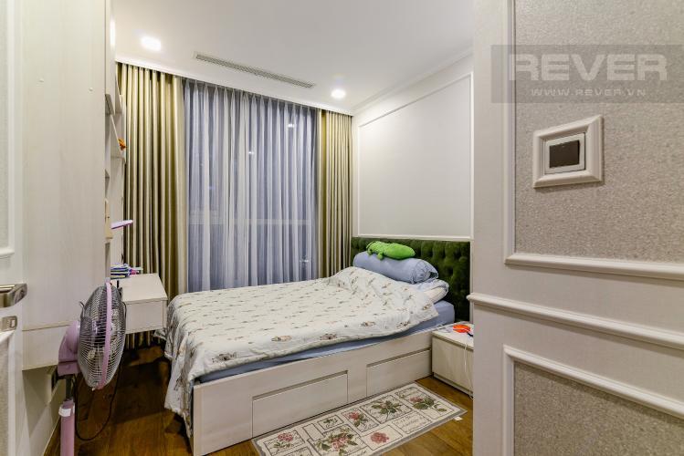 Phòng Ngủ 2 Căn hộ Vinhomes Central Park 3PN đầy đủ nội thất, view hồ bơi