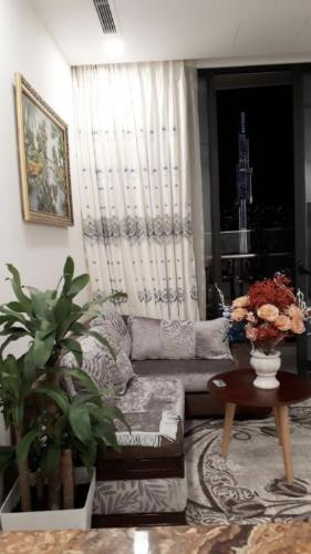 Cho thuê căn hộ Vinhomes Golden River  2 phòng ngủ diện tích 68.9m2