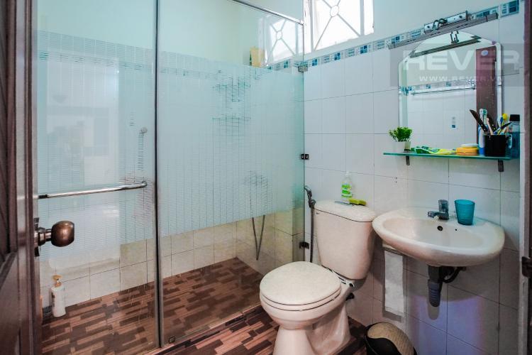 Phòng Tắm Master Bán nhà phố KDC Trung Sơn Q.7, 3 tầng, 17PN, diện tích sử dụng 350.4m2, có hầm để xe