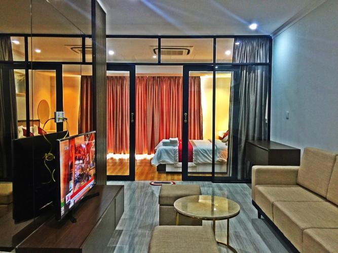 Phòng khách căn hộ The Sun Avenue, Quận 2 Căn hộ The Sun Avenue đầy đủ nội thất cao cấp, view thoáng mát.