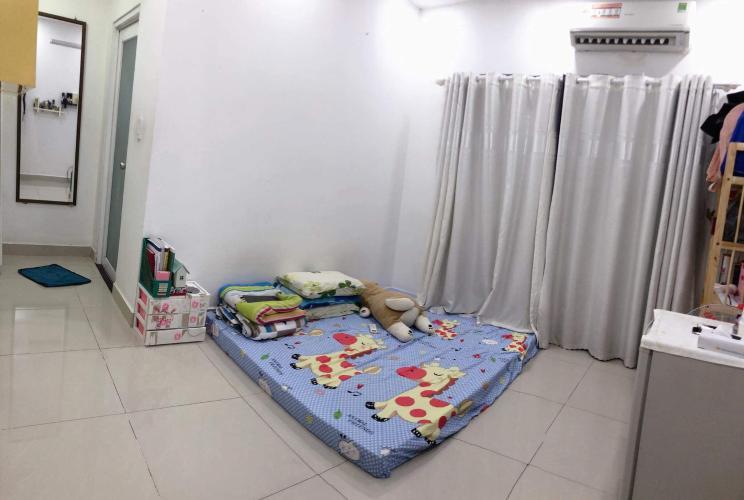 Phòng ngủ căn hộ Oriental Plaza, Tân Phú Căn hộ chung cư Oriental Plaza hướng Tây Nam, view thành phố sầm uất.